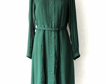 Green Pleated Dress Long Sleeved Dress with Belt Large Size