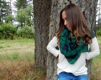 Outlander Inspired Zara Blanket Scarf, Tartan Plaid  Scarf, Green Plaid  Scarf  ~ Green and Navy
