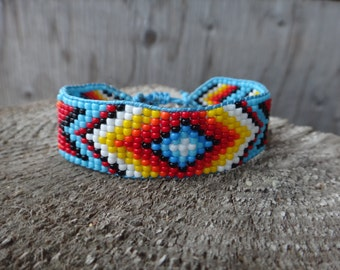 Native American Beaded Bracelet. American Indian. Seed beads. Loom bracelet traditional motifs