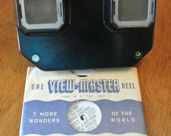 "Vintage Viewmaster and Reel, Bakelite Viewmaster, Sawyer Viewmaster Model C, ""Night Before Christmas"" Reel"
