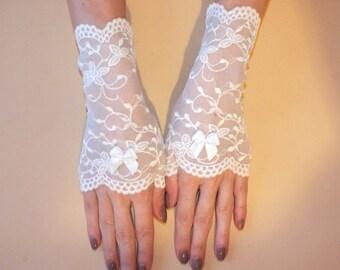 White  gloves Wedding Gloves Lace gloves White lace gloves Fingerless white gloves Bridal fingerless gloves