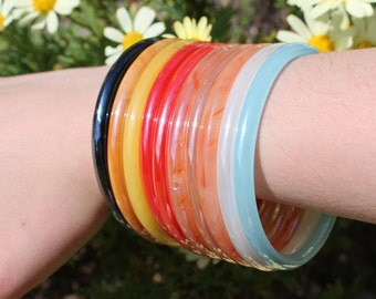 Exquisite Glass Bangles in Seven Vibrant Summery Colours