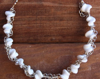 "Handmade 7"" Twisted White Glass and Silver Chain Beaded Necklace"