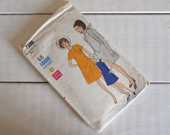 1960s Vogue Young Fashionables Sewing Pattern No.7398  - A-Line Dress - Modern Size 8