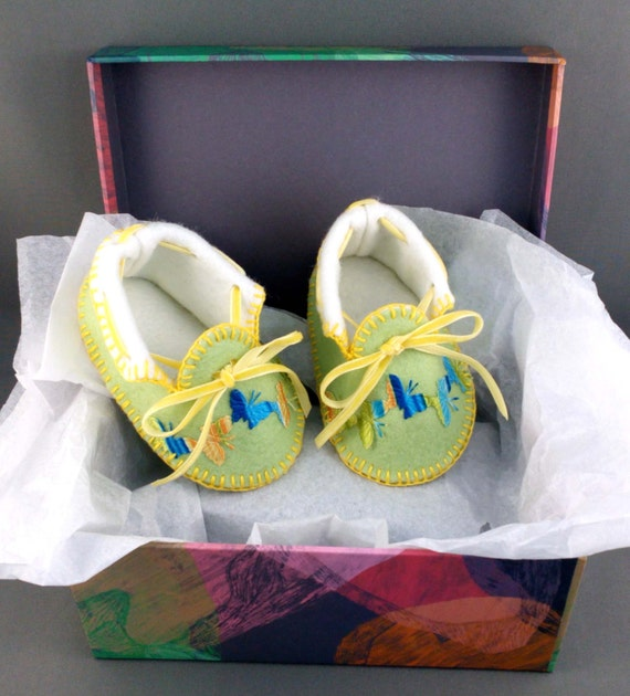 Spring Baby Hand Made Lined Baby Moccasins with Butterflies. Shoes in 100% Pure Wool Felt. Gift Boxed. 0-3months OOAK