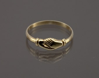 Fede ring made to your size in 9ct gold