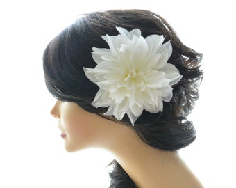 Wedding hair flower, white flower hair clip, Wedding flower hair fascinator, bridal hair accessory, white hair piece, Dahlia hair flower