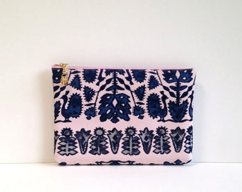 Takara Clutch bag in cream, blue, silver and bird print