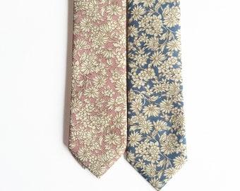 Bo - Vintage Pink/ Blue Floral Men's Tie