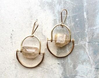L u n a   Rutilated Quartz Short Hammered Gold Brass Arch Earrings
