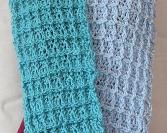 Blue Color block waffle crochet infinity scarf / Light blue circle scarf / Waffle weave turquoise scarf