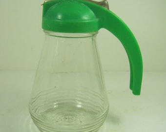 Vintage SYRUP PITCHER Pancake Glass GREEN Plastic Lid Retro Kitchen Dispenser