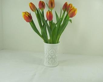 Vintage HOBSTAR MILKGLASS VASE Flower Star Floral WEDDiNG White Milk Glass Pinwheel