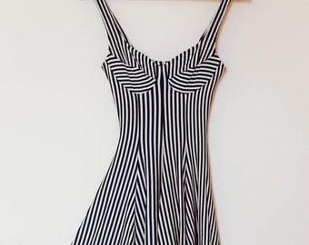 1970's vintage women's dress / small / striped / sailor