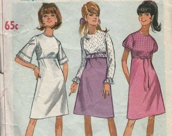 Simplicity 6884 Semi Fitted A-line dress round neckline empire waistline and puffed/bell/long sleeve variations Size 12 sewing pattern