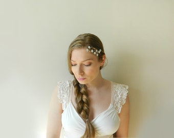 White Wildflower Comb - Hand Wired Pearls and Hand Painted Brass Flowers - style 007
