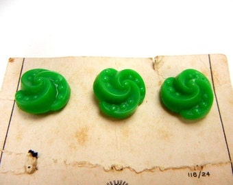 Green buttons set of 3 plastic sculpured style dots & spirals from 1950s new on partial card // holiday buttons