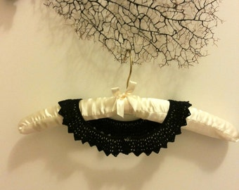 Black crochet collar, peter pan collar, black lace cotton collar, detachable for a chic look