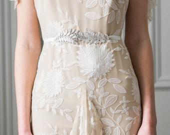Swooping Leaf Sash, Laurel Leaf sash, Grecian Sash, Gold Sash, Silver sash, Leaf Belt, bohemian sash, bridal sash, wedding sash #402