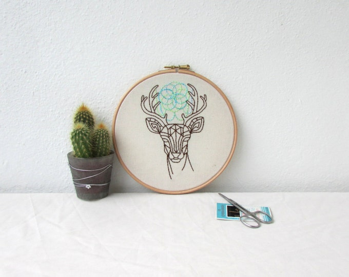 Deer head embroidery art, hand embroidery, deer wall hanging, 7 inch hoop, woodland animal decor, new home gift, handmade in the UK