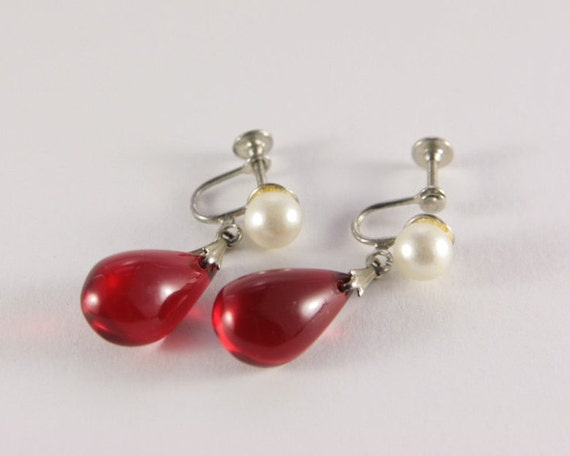 Red Ruby Pearl Dangle Earrings Vintage Costume Jewelry Red. Ruby Burmese Emerald. Halo Emerald. Russian Diopside Emerald. Healing Emerald. Gemstone Beads Emerald. Emerald Cut Diamond Emerald. Moonga Emerald. Alibaba Emerald