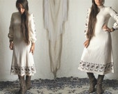 70s Ivory Floral Mod Dress // Vintage Long Sleeve Peasant Sleeve Winter Cream Brown Dress // Size: S