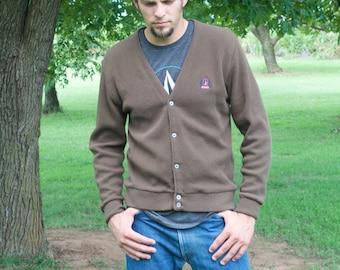 Men's Izod brown acrylic knit cardigan / sweater