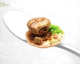 Meat Pie Miniature, Mushy Peas & Mashed Potatoes, Dollhouse Food Miniature, Polymer Clay Food, English Food Miniature, British Pie Miniature