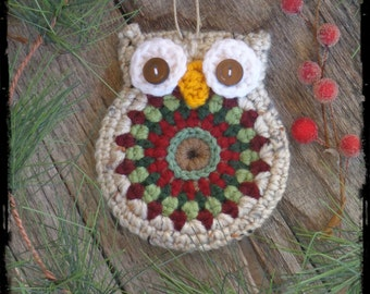 Owl Christmas Ornament, Primitive Holiday Gift Tag, Party Favor, OFG FAAP