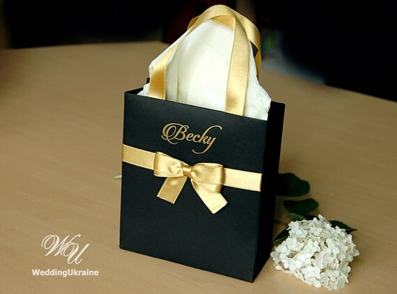 Gold Wedding Gift Bags : Black and Gold Brides Gift Bag Personalized Bridal Party favors Bags ...