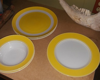 70s Fitz and Floyd yellow plates & bowls. 2 bowls and 1 plate are 1 pattern and 3 plates another, but coordinate very nice. Mint condition