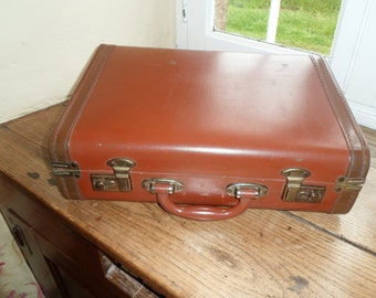 Vintage Suitcase trunk luggage storage Overnight Case Travel Baggage SMS made in England 1950s