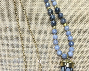 Beaded mother of pearl horn necklace