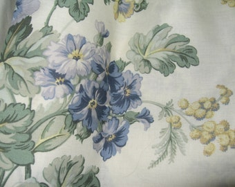 Vintage Laura Ashley Window Valance/Shabby Chic/Floral