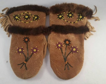 Handcrafted Caribou Leather Beaded Gloves