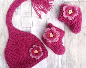 Baby crochet gift set, Pink booties and hat, Newborn gift, 0-3 3-6 months, dusty pink, pixie stocking hat, crocheted baby set, baby clothes