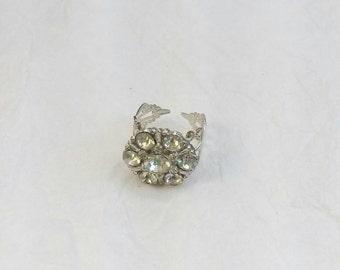 Rhinestone button ring