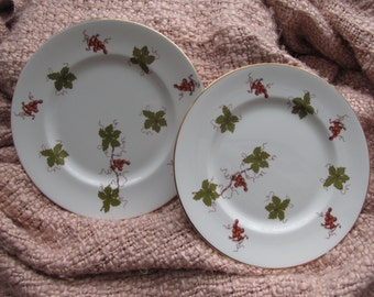 Royal Victoria set of side/ dessert plates with grapes and leaves