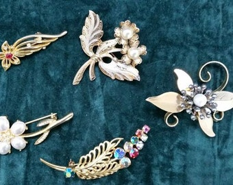 Vintage Costume Jewellery Broaches Lot of 5