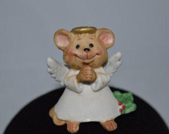 """Suzy's Zoo Christmas Mouse figurine, 1979. 2.25"""" x 2.5"""" x 1.5"""""""
