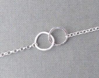 Silver infinity bracelet, interlocked rings bracelet, dainty silver bracelet, hammered silver rings bracelet, stacking or layering bracelets