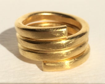 Wide gold band ring - Wide gold band - Wide gold ring - Hammered ring - Hammered wide ring - Gift under 30 - Perfect gift for her