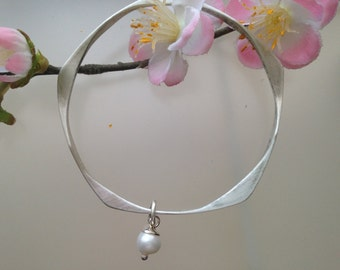Solid silver bracelet with Akoya pendants massive bracelet made of 925 silver with Akoya pearl pendant