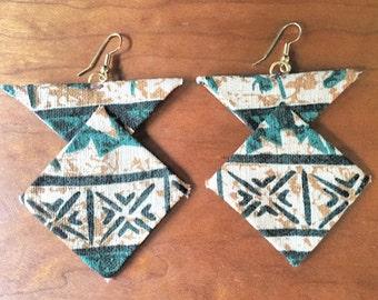 Hawaii-Handmade-Fabric Earrings- Fabric jewelry- Hawaiian bark cloth-Unique statement earrings- Hawaiian fabric earrings
