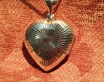 Sterling silver vintage heart locket pendant with sterling silver chain