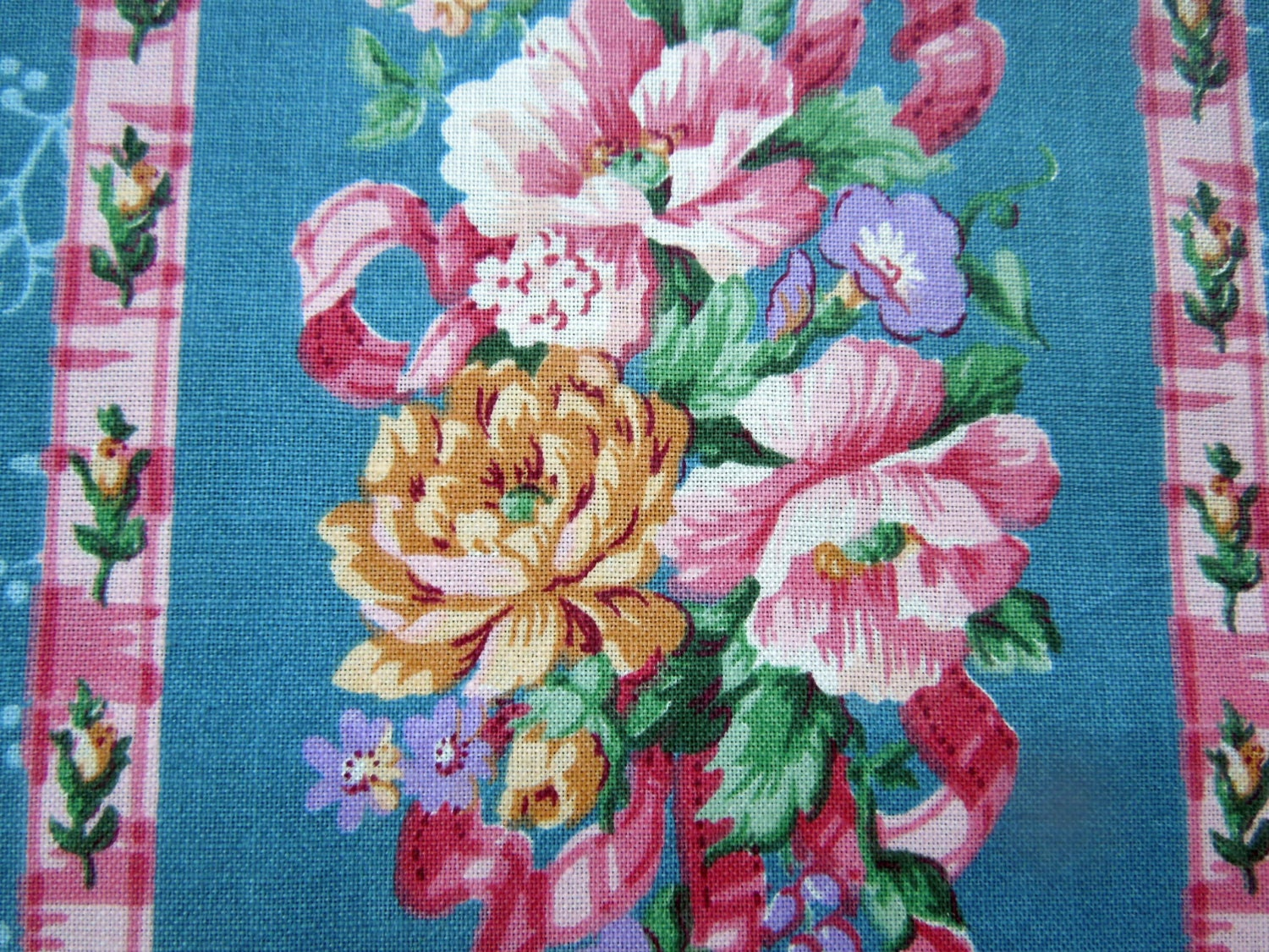 Vintage floral chintz fabric roses blue 45 x 27 for Chintz fabric