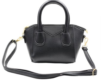 Pebble leather dumplings purse