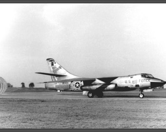 24x36 Poster . Boeing Rb-66B 54-0429 Landing At Raf Bruntingthorpe 1960