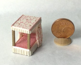 Four-poster bed ,wood and fabric ,1/120 scale for baby dollshouse