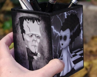 Wooden pencil holder- Classic monsters Universal Pictures horror movies. Cute version - Frankenstein, Wolfman, the Bride and Count Dracula